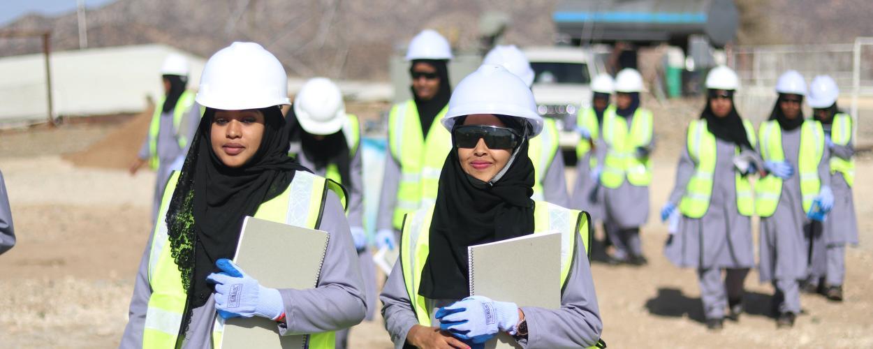 Women in Somalia participate in energy training