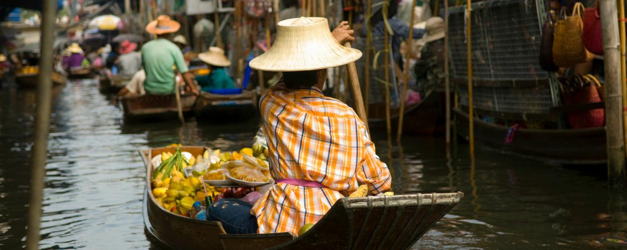 Merchants at Thai floating market