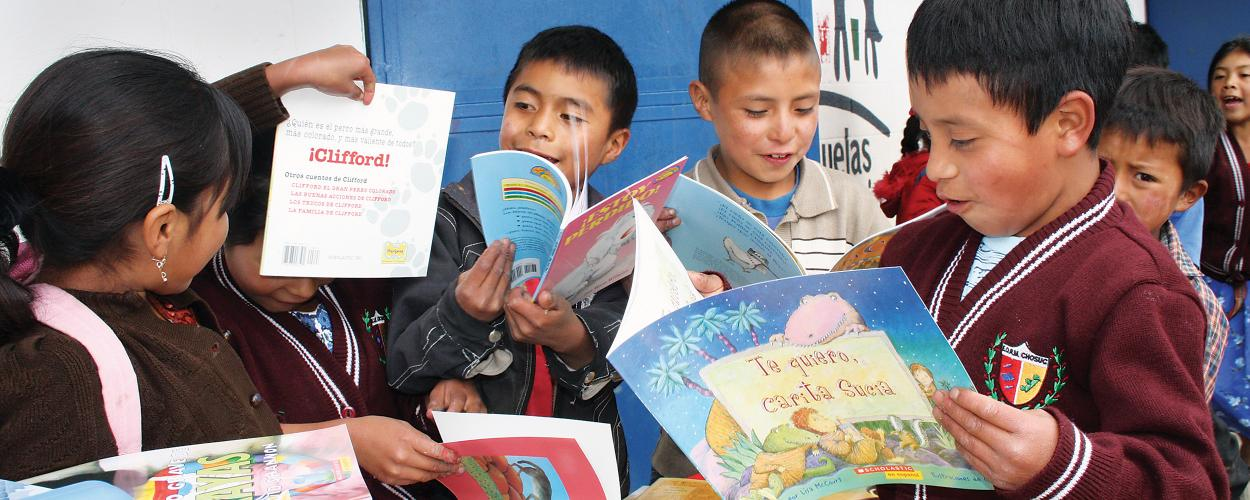 Children in Latin America reading books