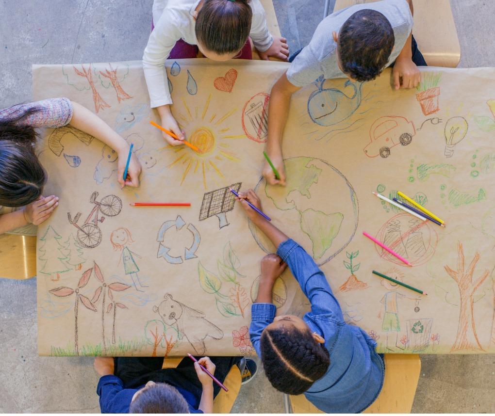 Children in school working together