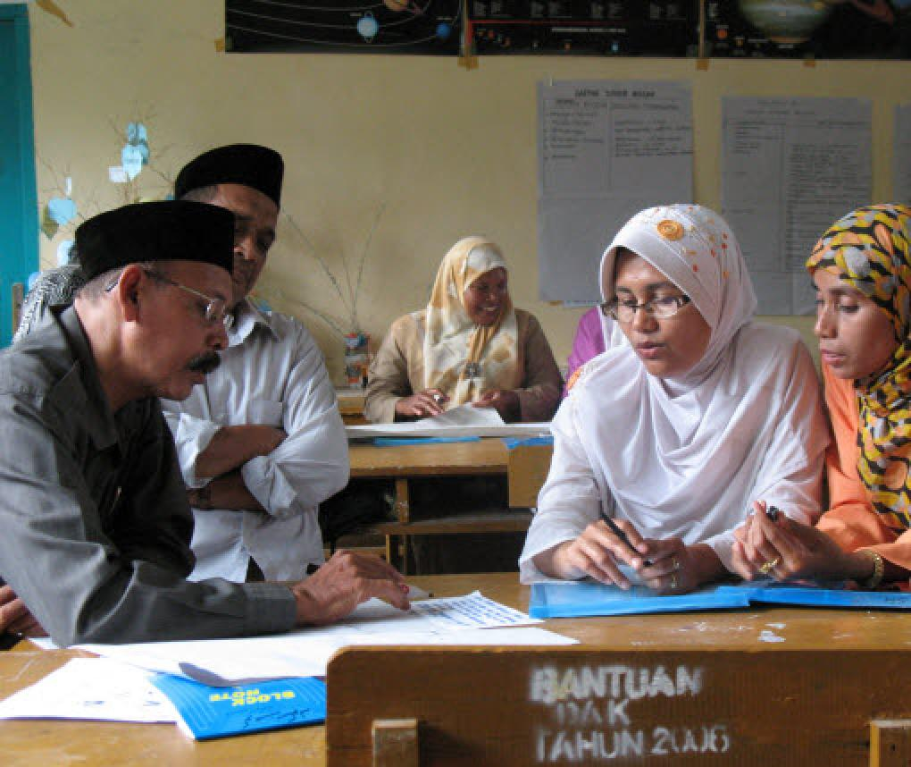 Indonesian officials in training in Aceh