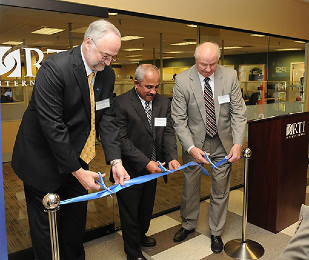 RTI leaders cut the ribbon at the grand opening of the Research Operations Center